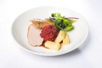 Вырезка свинины медленного приготовления, корень сельдерея аль денте и кровяная колбаса
